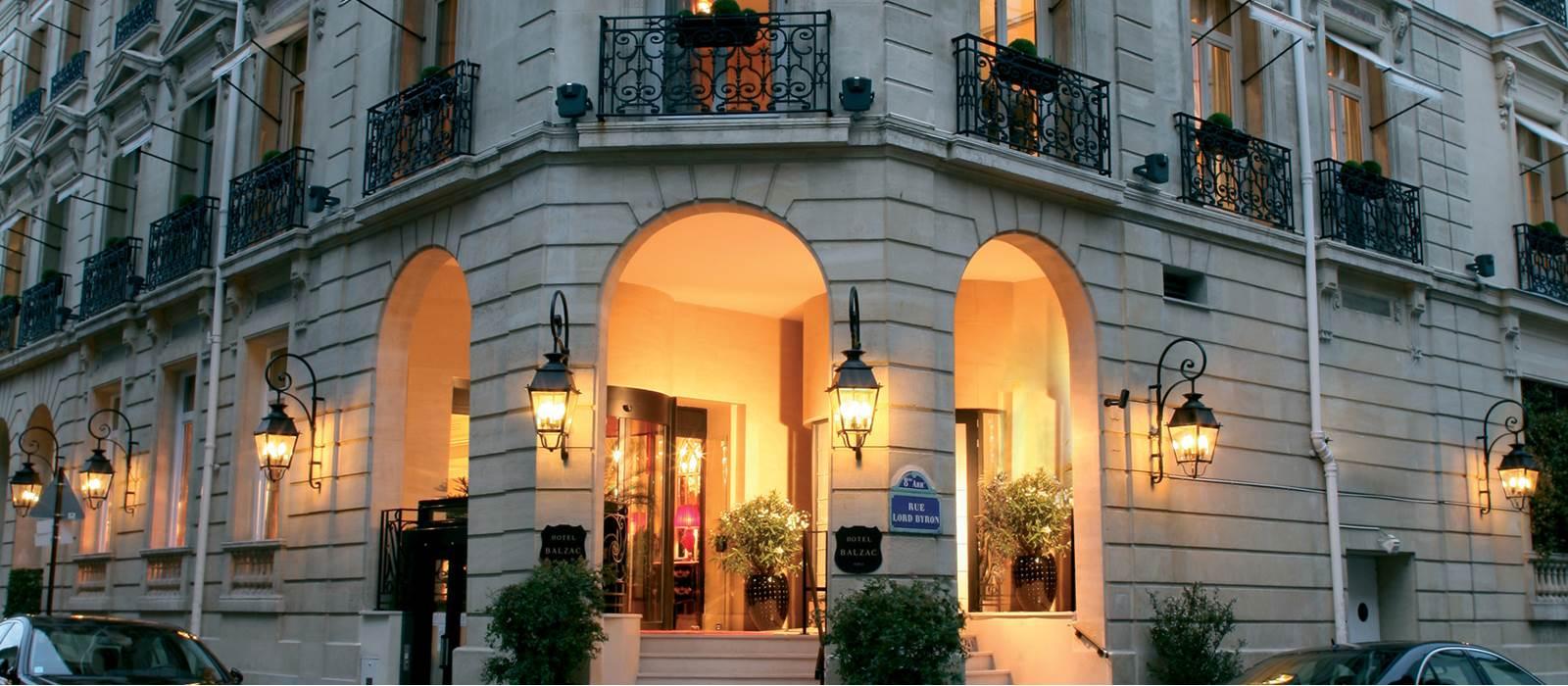 Valet parking h tel balzac champs elys es paris for Hotel france