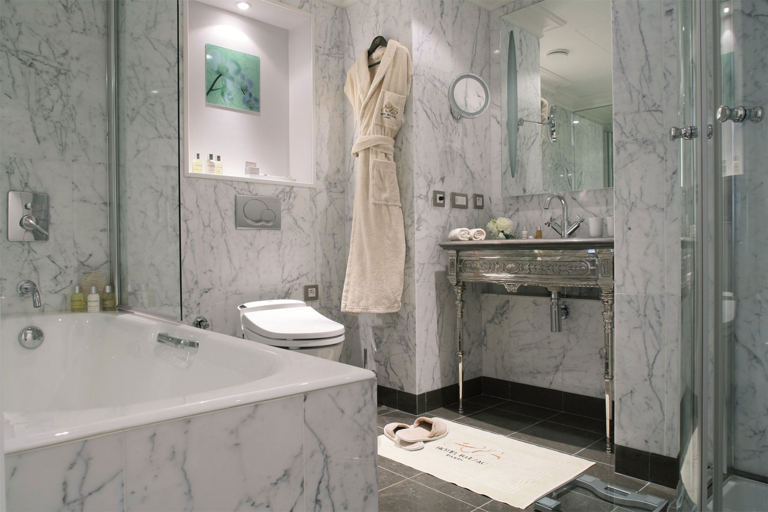 Bathroom Junior Suite Hotel Balzac Paris