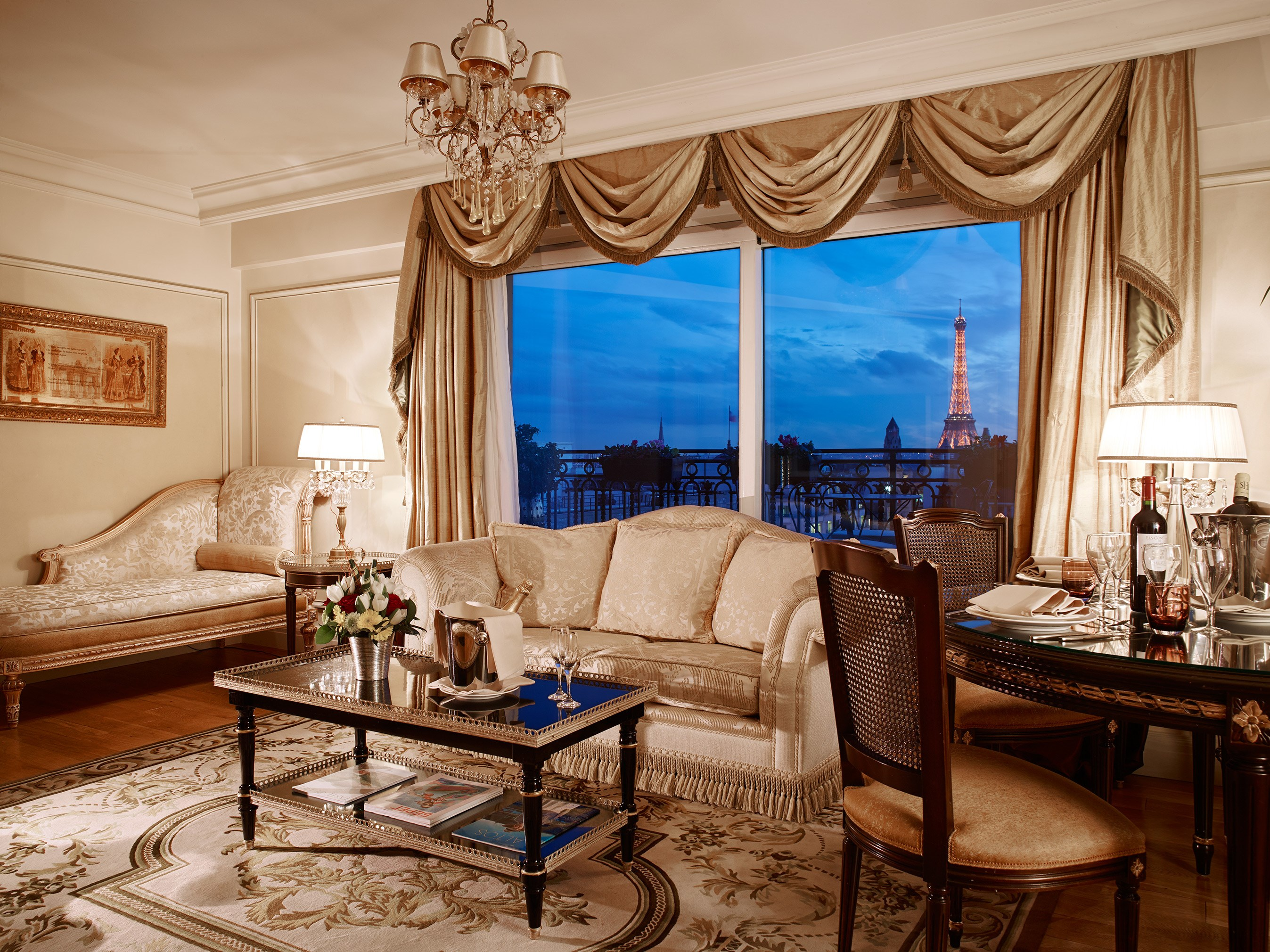 Royal Suite Living Room Hotel Balzac